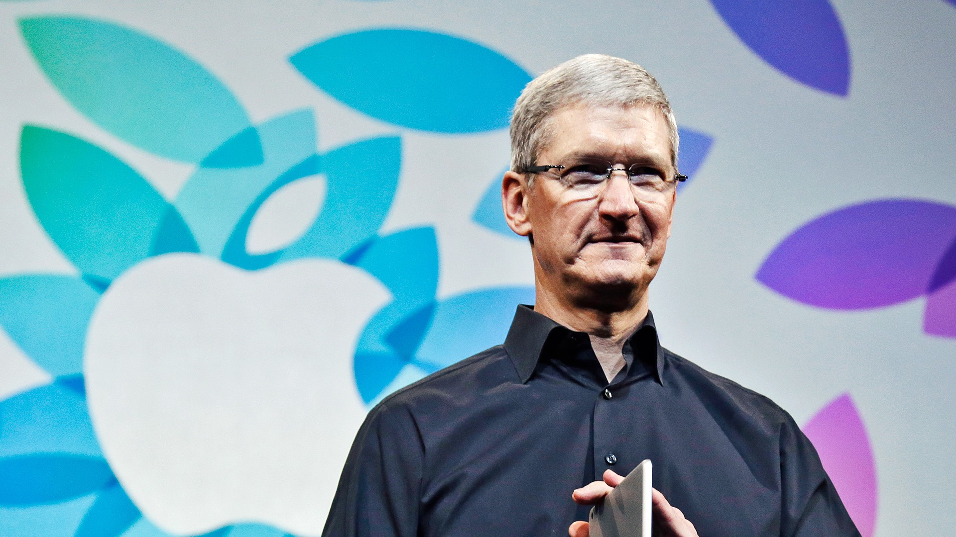 """Tim Cook, atual CEO da Apple, revela sua opinião sobre a Realidade Aumentada: """"É uma grande ideia, assim como o Smartphone"""""""