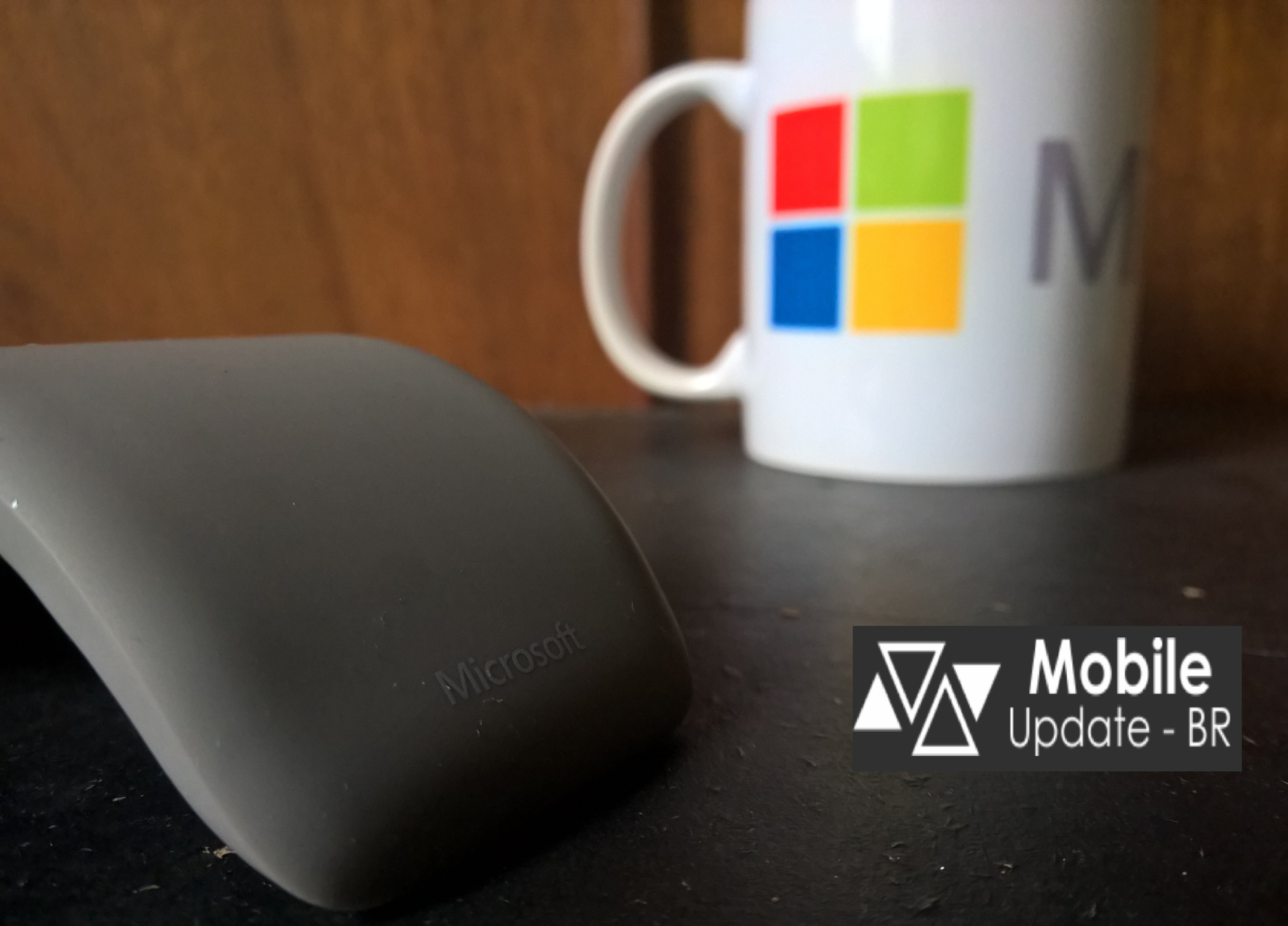 [Video] Microsoft Arc Touch Bluetooth Mouse no Windows 10 Mobile